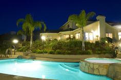 16 Splashing Outdoor Pool Designs for Wonderful Recreation Moments Amazing Swimming Pools, Swimming Pool Designs, Cool Pools, Home Improvement Financing, Home Improvement Contractors, San Diego Houses, Custom Pools, Dream Pools, Pool Spa