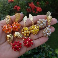 Seed Bead Earrings, Beaded Earrings, Beaded Jewelry, Diy Jewellery Chain, Jewelry Making, Jewelry Patterns, Beading Patterns, Handmade Accessories, Beaded Embroidery