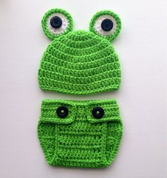 Crochet Newborn Boy Frog Photo Prop - Hat