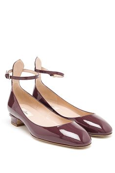 2015's Hottest Shoe Trends That You Can Wear Right Now #refinery29  http://www.refinery29.com/shoe-trends-2015#slide-20  The Grown-Up Ballerina Flat Some designers never abandoned the round-toe look, like Miu Miu and Valentino, whose bordeaux patent version we love.