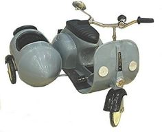 Vespa pedal scooter with sidecar