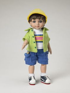 ©Mary Engelbreit Boys Will Be Boys 2007 Robert Tonner OUTFIT ONLY T7-AEOF-03 LE400 Originally Sold For $59.99 Tee shirt and shorts combo with short sleeve cotton jacket; includes hat, socks, sneakers and a resin mouse.