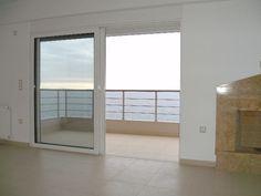 Πώληση Μεζονέτα Πειραϊκή. Πειραϊκής νεόχτιστη μεζονέτα 6ου-7ου ορόφου ρετιρέ 125 τ.μ πολυτελούς κατασκευής, διαμπερές, 3 υ/δ, ενιαία κουζίνα, wc, Divider, Windows, Projects, Room, Furniture, Home Decor, Log Projects, Bedroom, Blue Prints