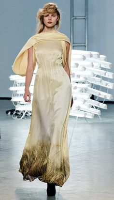 I fell in love with this dress when I first saw it in Vogue. Such movement and elegance.