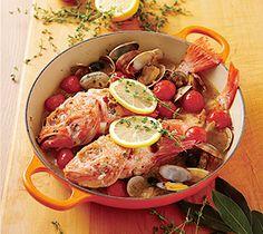 【アクアパッツァ】イタリアの代表的な魚料理。残ったスープをリゾットやパスタにしても。  http://www.lecreuset.jp/community/recipe/akuapattsua/