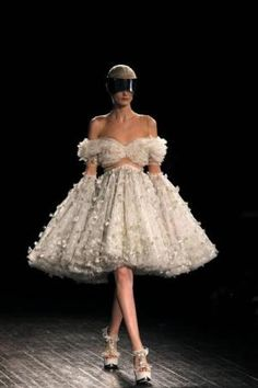 alexander mcqueen shows - Google zoeken
