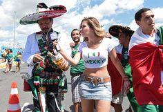 Galeri Suporter: Belanda vs Meksiko