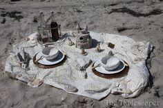 table at beach0102
