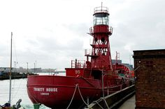 Lightship95 - London studio in the hull of a boat