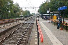 Station #Brummen is een spoorwegstation in het Gelderse Brummen aan de spoorlijn #Arnhem – #Zutphen. Het station werd geopend op 2 februari 1865.