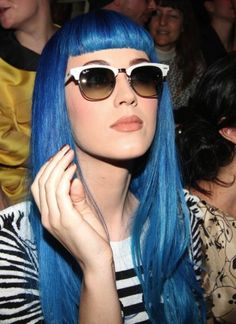 Pull a Katy Perry look for your costume, and try a long blue wig with bangs to match her iconic blue hair she had. Russell Brand, Katy Perry Fotos, Ray Ban Sunglasses Sale, Clubmaster Sunglasses, Sunglasses 2016, Sunglasses Outlet, Sunglasses Store, Discount Sunglasses, Colorful Hair