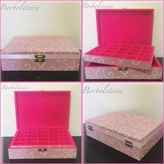 Porta joias rosa pink flocado com estampa rosa de arabescos.