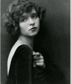 Clara Bow 1921