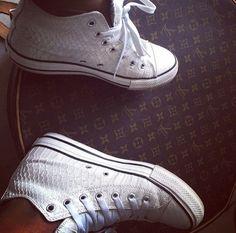 shoes trainers sneakers white white kicks footwear converse snake print