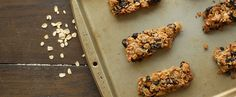 Discover a fun and delicious way to enjoy oats with our easy and delicious Breakfast Bars recipe made with your favorite Quaker® products. Oats Recipes, Baking Recipes, What's For Breakfast, Breakfast Recipes, Easy Delicious Recipes, Yummy Food, Yummy Treats, Vanishing Oatmeal Raisin Cookies, Healthy Granola Bars