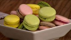 A tökéletes macaron! Macarons, Muffin, Food And Drink, Cookies, Breakfast, Cake, Ethnic Recipes, Candy, Crack Crackers