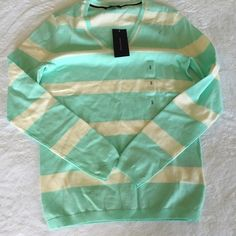 Tommy Hilfiger Striped Shirt Adorable Tommy Hilfiger shirt! Tommy Hilfiger Tops Tees - Long Sleeve