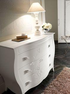 Bedroom Bed Design, Bedroom Furniture Design, Bedroom Decor, Stair Wall Decor, Stair Walls, Dresser As Nightstand, Home Furnishings, Sweet Home, Interior Design