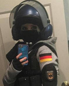 Bandit, R6 Rainbow Six Siege Art, Rainbow 6 Seige, Rainbow Six Siege Memes, Tom Clancy's Rainbow Six, Cute Group Halloween Costumes, Celebrity Halloween Costumes, Halloween Halloween, Scream Halloween, Awesome Costumes