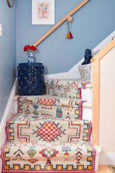 Using runners from Rugs USA I created a renter friendly stairway runner. We can now be proud of the main artery in our colourful & bold home. Stairway Carpet, Carpet Stairs, Staircase Runner, Stair Runners, White Staircase, Home Instead, Rugs Usa, Staircase Design, Stairways