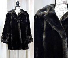 44d2e78fd536 Faux fur coat size M / vintage 80s sable brown fake fur / Intrigue USA  Tissavel