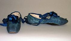 Shoes, early 19th century, American or European, silk. In The Metropolitan Museum of Art collection.