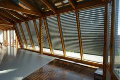 Großer Wintergarten mit Lichtschienen von Schanz. Schanz | www.schanz-rollladen.at Divider, Room, Furniture, Home Decor, Winter Garden, Homes, Bedroom, Decoration Home, Room Decor