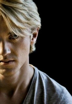 Tom Felton……the handsome gentle man………or Draco Malfoy….the sexy bad … - Modern Draco Harry Potter, Draco And Hermione, Images Harry Potter, Harry Potter Universal, Harry Potter Characters, Harry Potter World, Hermione Granger, Severus Snape, Ron Weasley