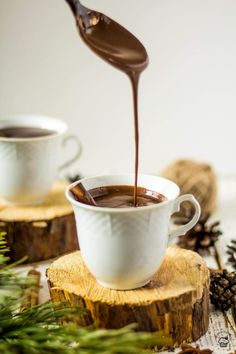 Hustá horúca čokoláda Chocolate Fondue, Tableware, Food, Recipes, Dinnerware, Tablewares, Essen, Meals, Dishes
