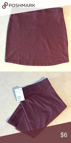 Bodycon Skirt Purple body-con skirt. Basic piece that can be dressed up or down. H&M Skirts Midi