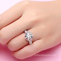 Round brilliant Lotus ring!