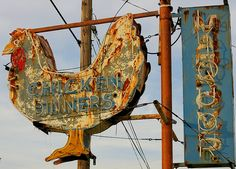 This electric chicken in Springfield, Ohio, is FABULOUS…but it's not MY chicken sign.