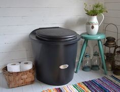 Outhouse Ideas, Hygge, Compost, Cottages, Beach House, Toilet, Bathrooms, Cabin, Garden
