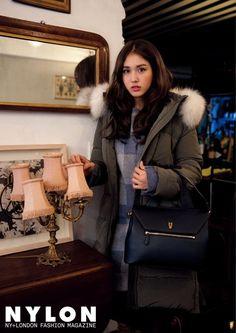 O.I Jeon Somi for Nylon magazine December Issue Kpop Girl Groups, Korean Girl Groups, Kpop Girls, Girl Next Door Look, Pop Fashion, Fashion Outfits, Kim Chungha, Jeon Somi, She Girl