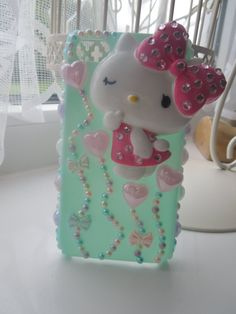 Kute & Kawaii Hello Kitty decoden iPhone 4 case by PrettyPegasus, oh my gosh thissssss Bling Phone Cases, Diy Phone Case, Cute Phone Cases, Hello Kitty Cake, Hello Kitty Items, Decoracion Hello Kitty, Coque Iphone, Iphone 4, Decoden Phone Case