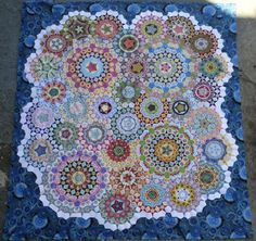 Eagles' Wings Quilts: Sunday Stash and Stitching Report Hexagon Quilt Pattern, Quilt Patterns, Millefiori Quilts, Kaleidoscope Quilt, Beaded Cross Stitch, Foundation Paper Piecing, Thing 1, English Paper Piecing, Hand Quilting