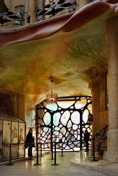 La Pedrera/Casa Mila Interior Entrance, Barcelona, Spain;  architect Antoni Gaudi;  photo Marcus Frank