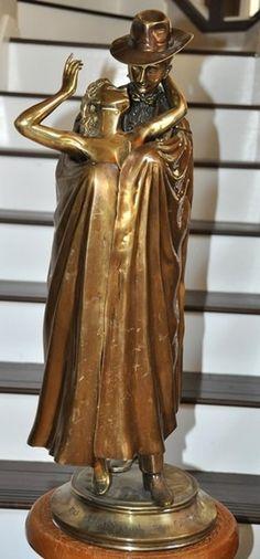bronze sculpture Das Phantom der Oper by German artist Rudolfo Bucacio
