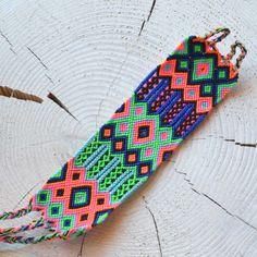 Bracelet Macramé Brésilien manchette, fait-main, handmade, provenant du Guatemala, modèle unique