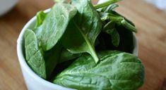 Spinach has many important roles to play in maintaining a healthy body. Learn more about spinach nutrition facts, and a wide range of health benefits. Dieta Candida, Chickpeas Benefits, Spinach Health Benefits, Spinach Casserole, Casserole Recipes, Zero Calorie Foods, Candida Diet Recipes, Keto Recipes, Nutrition