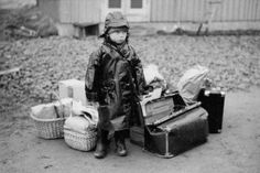 A child in Norway awaiting leaving before the Nazi arrival