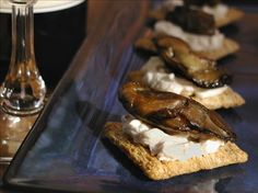 Easy Smoked Oyster Snack Recipe -  ( try with a sprinkle of hot sauce)Food.com - 131012