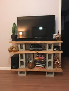 Do you already have ideas for your weekend project? How about replacing your old TV stand with a new one? Check out these 11 very different, but incredible DIY TV stand project ideas that step you through building a terrific media console. Build A Tv Stand, Diy Tv Stand, Cheap Tv Stand, Swivel Tv Stand, Tv Stand Console, Diy Apartment Decor, Diy Home Decor, Furniture Projects, Furniture Makeover