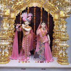 Radha Krishna Holi, Radha Krishna Quotes, Krishna Leela, Baby Krishna, Jai Shree Krishna, Lord Krishna Images, Radha Krishna Pictures, Krishna Photos, Krishna Love