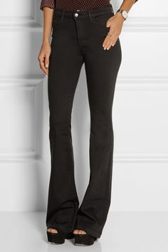 If you're ready to let go of your skinny jeans, this is universally agreed upon as the best pair of flares