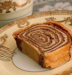 Nut rolls exist in every Eastern European culture; they are a yeast dough usually filled with walnuts and go by several different names. Slovak Recipes, Pastry Recipes, Cookie Recipes, Dessert Recipes, Sweet Desserts, Potica Bread Recipe, Walnut Potica Recipe, Pastries, Brioche