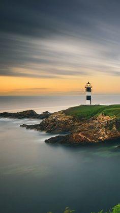 Beautiful-Lighthouse-Sunset-Ocean-iPhone-5-Wallpaper.