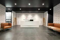 Pinsent Masons ve Göksu Avukatlık Bürosu Office Reception Design, Modern Office Design, Office Designs, Lobby Reception, Reception Areas, Commercial Interior Design, Commercial Interiors, L Office, Office Interiors