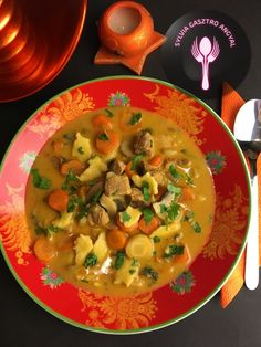Favágó leves     Sylvia Gasztro Angyal Thai Red Curry, Soup, Ethnic Recipes, Kitchens, Red Peppers, Soups