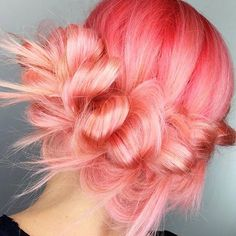All the peachy goodness by @candicemarie702 using Arctic Fox's Sunset Orange & Virgin Pink Shop Here >> www.beserk.com.au/arctic-fox